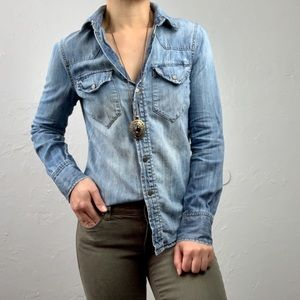 Madewell Denim/ Chambray button down blouse XS
